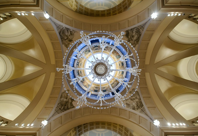 the chandelier in the Main Reception Room at One Moorgate Place