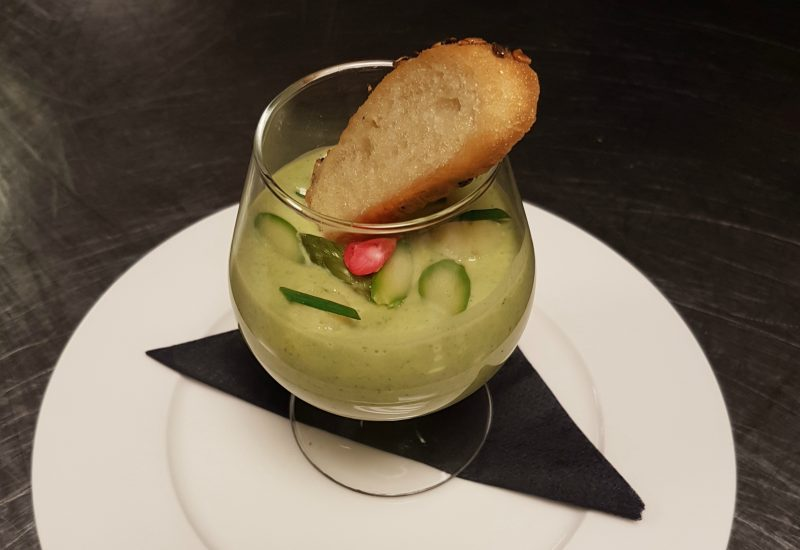 Asparagus chilled soup