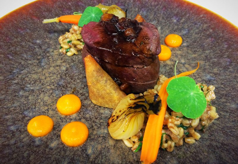 Hereford beef, oxtail & anchovy Pastilla, Grelot onion, Bordelaise sauce